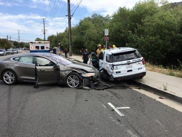 Las autoridades investigan el accidente.