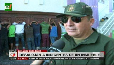 Santa Cruz: Policía desalojó antisociales de un edificio frente al zoológico