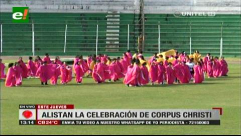 Iglesia Católica ultima detalles para gran misa de Corpus Christi