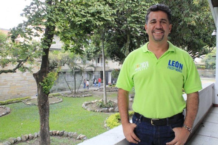 El político es miembro del partido Alianza Verde.