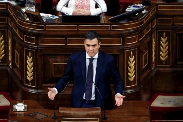 Pedro Sánchez habla ante el parlamento de Madrid(Reuters)