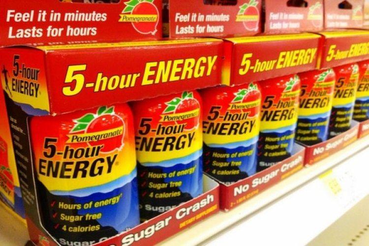 Las bebidas energizantes engañan al cuerpo para que no sienta necesidad dedescansar.(Mike Mozart(Flickr)