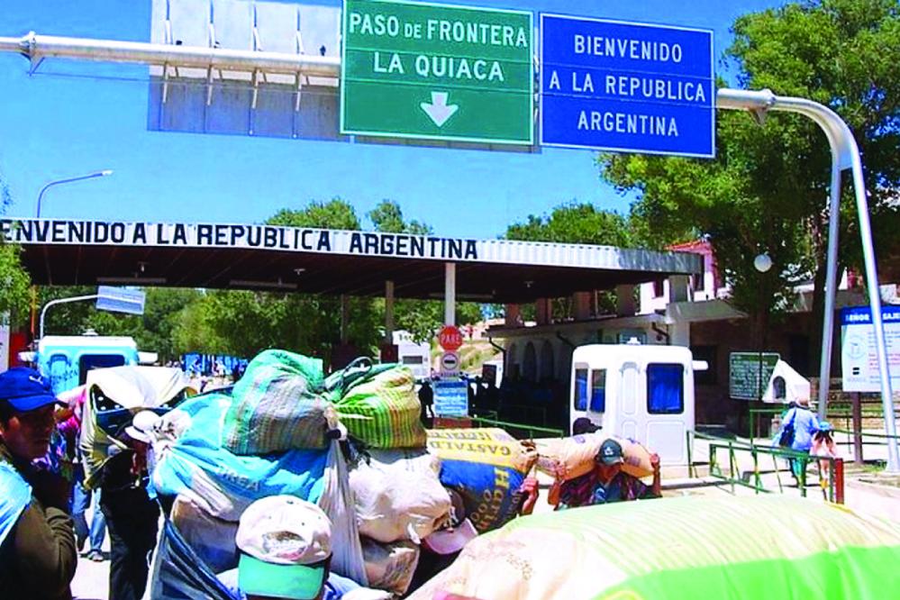 Gobierno descarta devaluar el boliviano por crisis argentina
