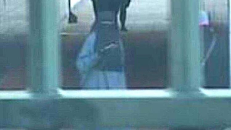 El momento en que las autoridades detectan que Boular se toma una selfie