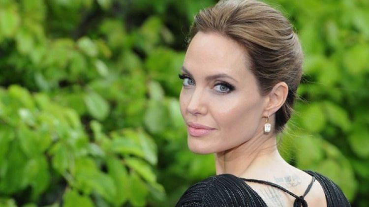 Angelina Jolie se sometió a una mastectomía doble y se extirpó los ovarios