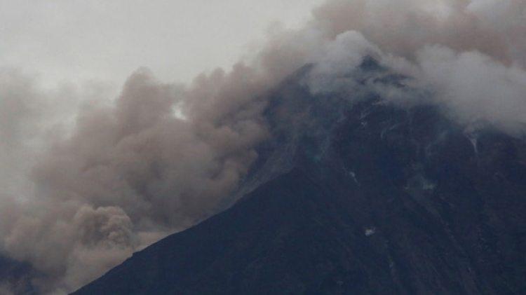 Así está el volcán Fuego después de una erupción violenta, en San Juan Alotenango, Guatemala el 3 de junio de 2018.(Reuters)