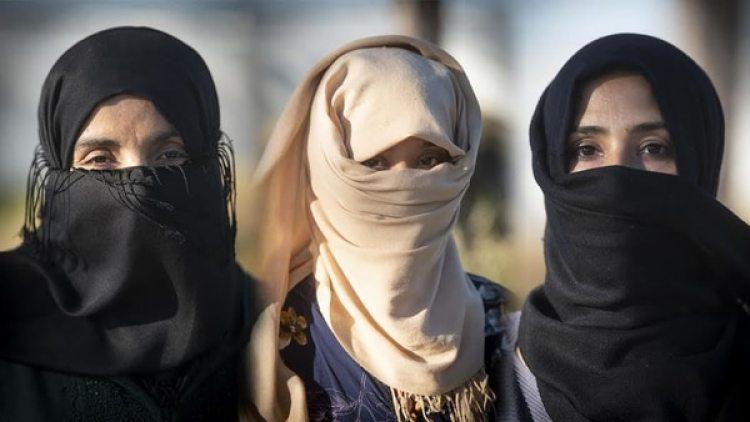 Tres de las mujeres que han denunciado agresiones y abusos sexuales en el sur de España (Foto cedida por Marcos Moreno)