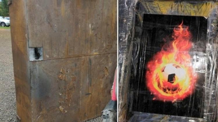 Lospaquetes con cocaína estaban marcados con fotografías de una pelota de fútbol prendida fuego (Reuters)