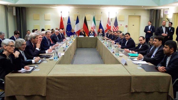 Los cancilleres de los países firmantes del acuerdo nuclear, reunidos en las negociaciones de 2015