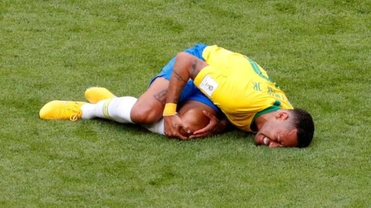 Neymar en una de sus actuaciones (Foto:REUTERS/David Gray)