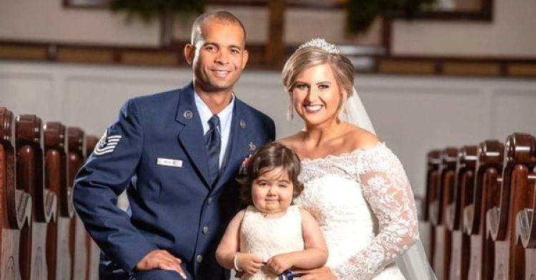 Hayden Hatfield junto a su marido Adrian y a la pequeña Skye (Cortesía Hayden Hatfield)