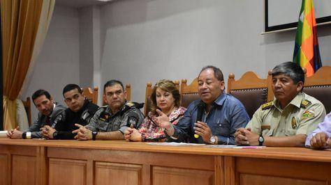 Autoridades de Bolivia y Perú en una conferencia de prensa conjunta.