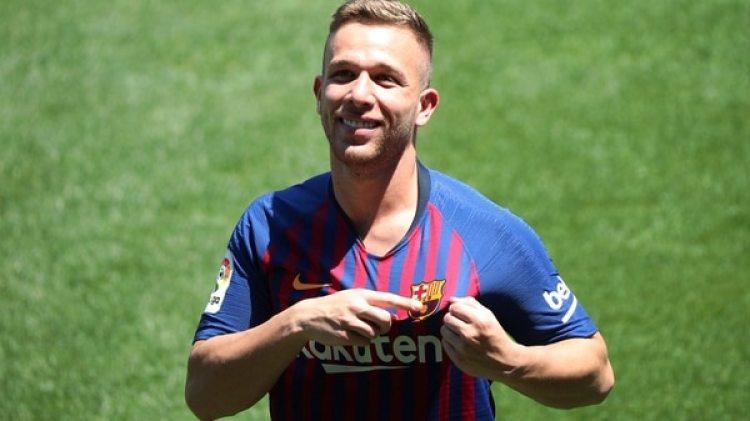 Arthur Melo, mediocampista brasileño, es uno de los fichajes del Barcelona FC para esta temporada (Reuters)