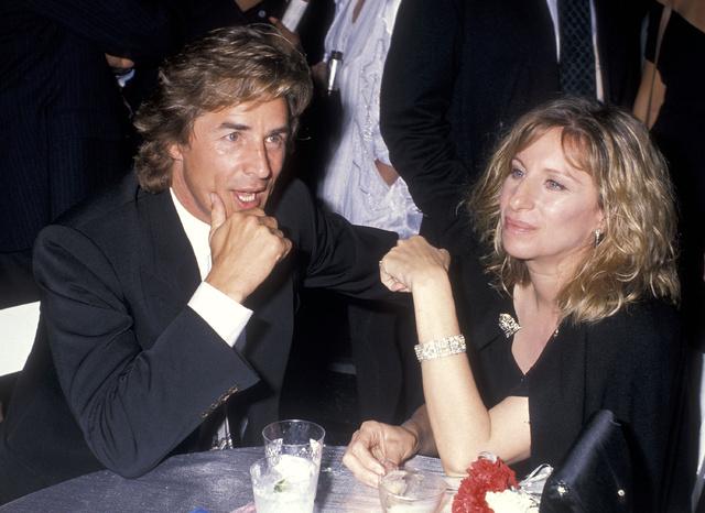 Don Johnson y Barbara Streisand en septiembre de 1988