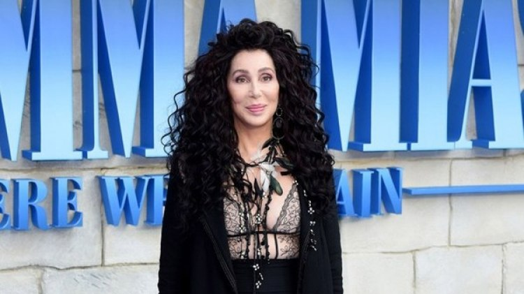 Cher en el estreno de Mamma Mia
