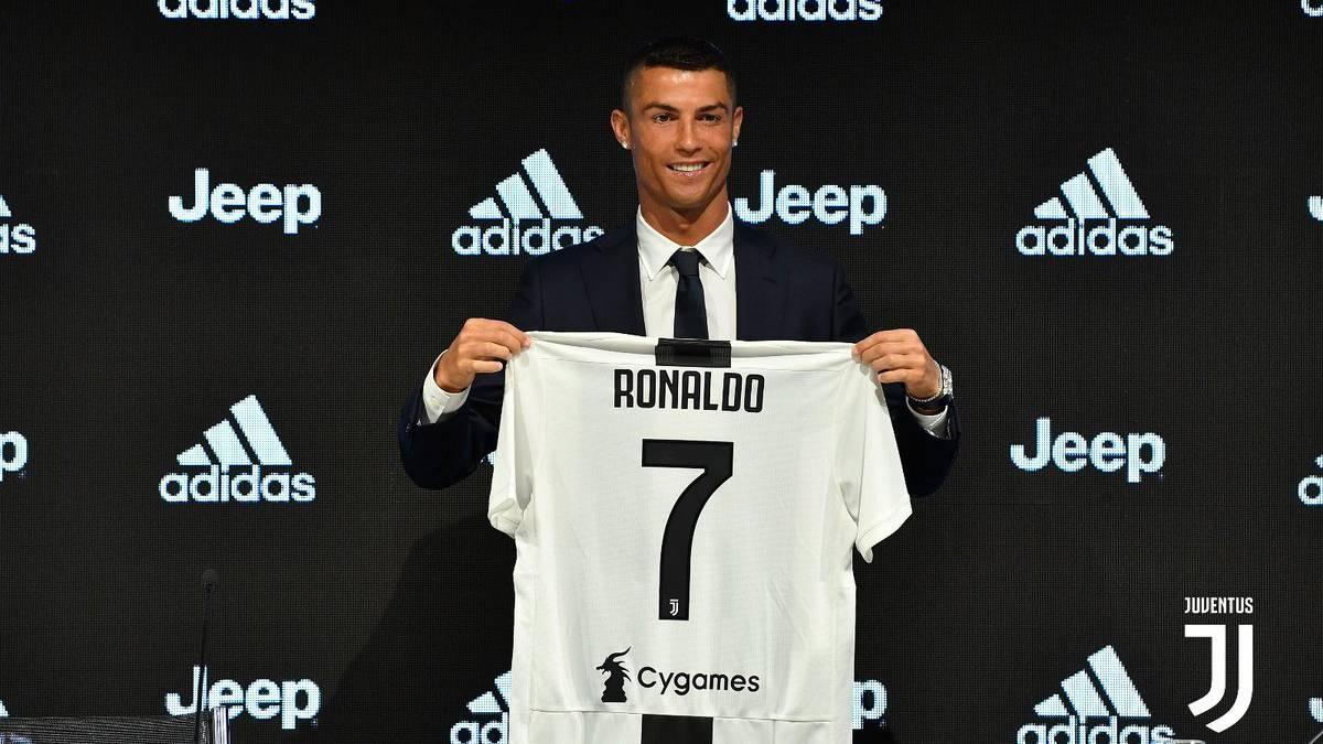 Cristiano en su presentación con la Juventus.