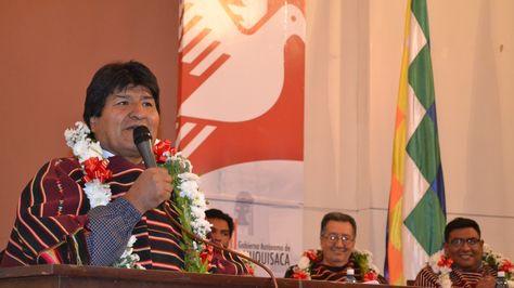 El Presidente Evo Morales asiste a la Recolección de proyectos Mi Agua para los municipios de Chuquisaca, acto realizado en la Gobernación de Sucre. (Foto: ABI)
