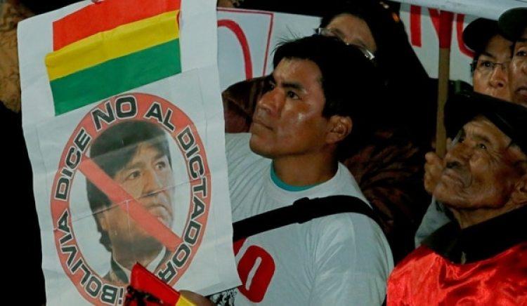 En los últimos meses han crecido las protestas contra los intentos de Morales por quedarse en el poder (Reuters)