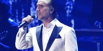 El cantante Alejandro Fernández es desalojado de un avión por ir borracho