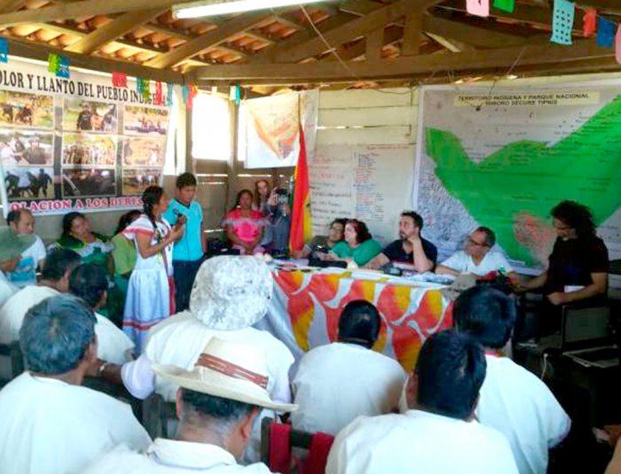 LOS INDÍGENAS DEL TIPNIS EXPONEN SUS TESTIMONIOS DE VULNERACIÓN DE SUS DERECHOS ANTE LOS INTEGRANTES DEL TRIBUNAL INTERNACIONAL.