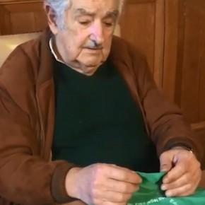 """""""Pepe"""" Mujica defendió la legalización del aborto y pidió que los hombres """"se callen la boca"""""""