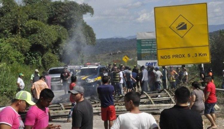 Ciudadanos brasileños se manifiestan contra la presencia de inmigrantes venezolanos(EFE)