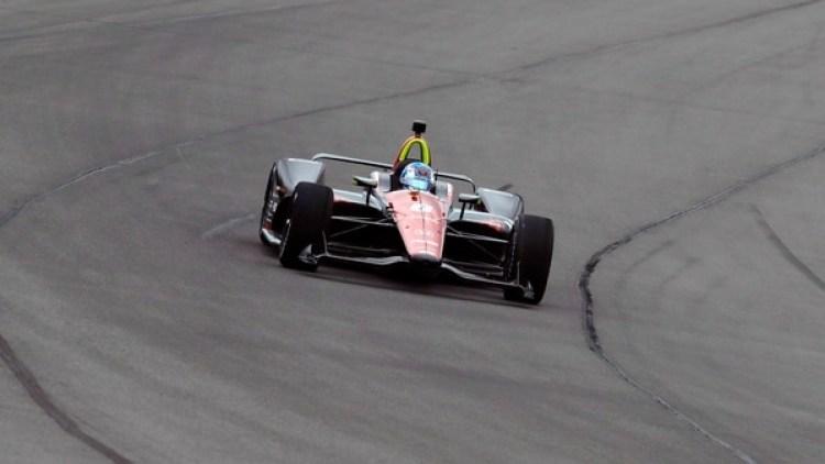 El auto de Wickens en plena carrera (AP)