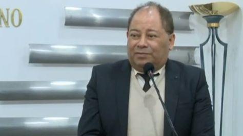 El ministro de Gobierno en conferencia de prensa.