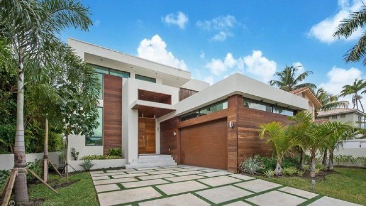 La lujosa residencia que Jam acaba de comprar se ubica en 240 Palm Island Drive en Miami Beach, Florida