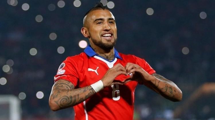 Vidal festeja un gol con la camiseta de Chile durante la Copa América. (Foto: AP)