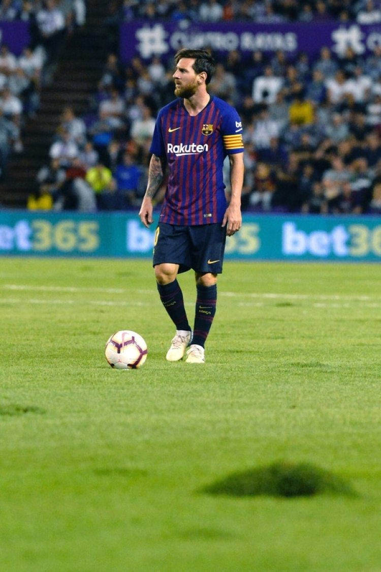 """""""El estado del césped hoy era una vergüenza"""", afirmó Piqué (EFE)"""