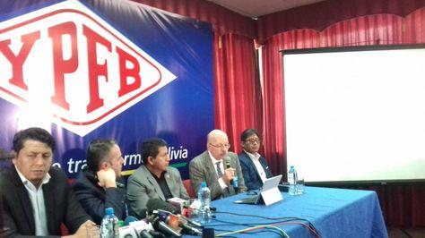 Conferencia de prensa en la que se presentó la certificación de reservas de gas
