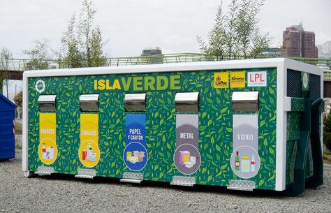 Recolección diferenciada de residuos con la implementación de contenedores específicos e isla verde para el adecuado desecho y posterior reciclaje de basura.