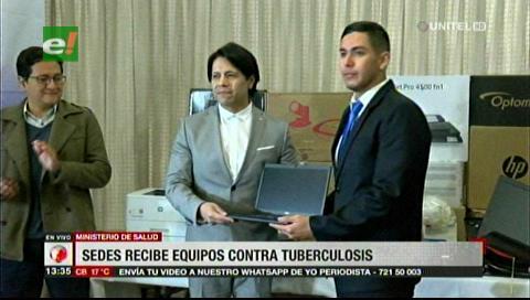 Gobierno entregó equipos de análisis contra la tuberculosis a todos los Sedes del país