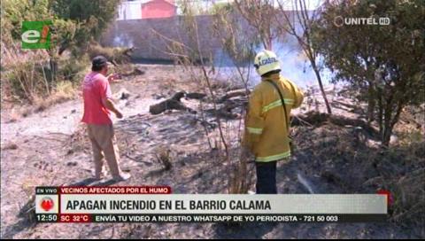 Bomberos sofocan incendio en un lote baldío del barrio Calama