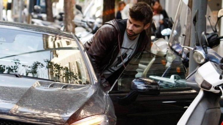 Gerard Piqué condujo su vehículo sin permiso