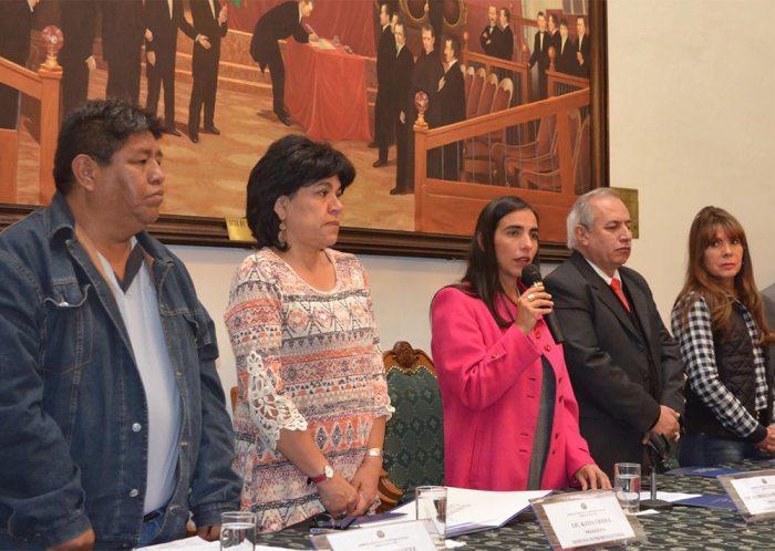 VOCALES DEL TSE JUNTO A LA PRESIDENTA DE LA CÁMARA DE DIPUTADOS.