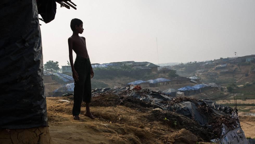 Omar, de 8 años, refugiado rohingya en Bangladés.