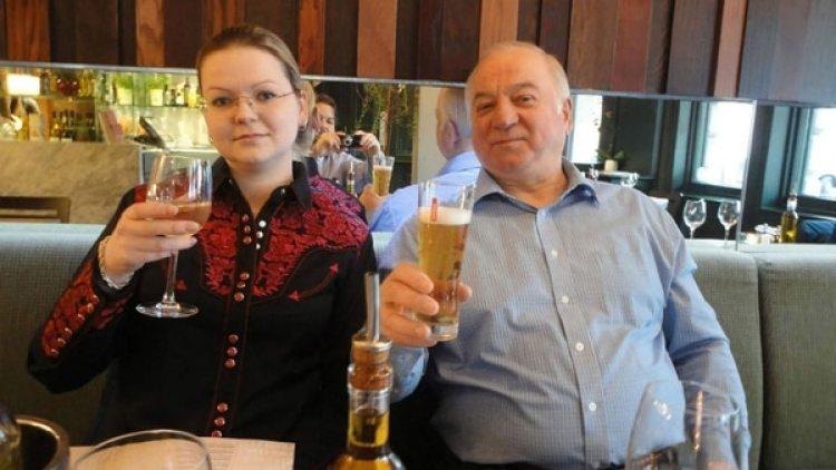 Sergei Skripal, junto a su hija Yulia