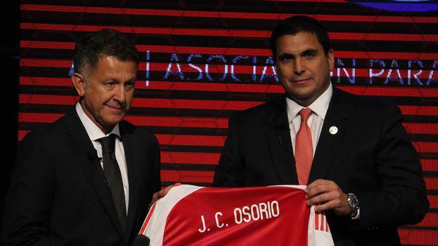 Paraguay presenta a Osorio como técnico de su Selección