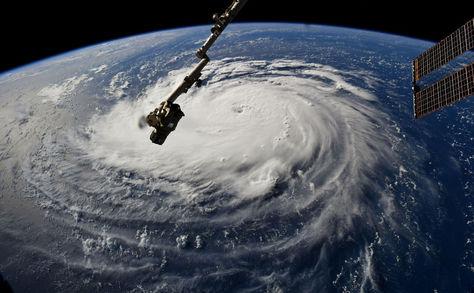 Imagen de la NASA muestra al huracán Florence visto desde la Estación Espacial Internacional frente a la costa en el Océano Atlántico. Foto: AFP