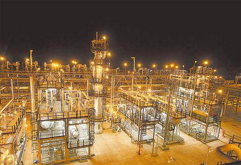 Tarija. Planta de tratamiento de gas en el campo Margarita.