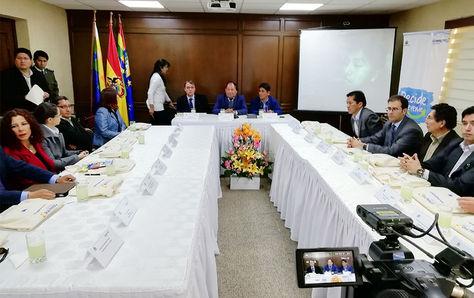 Firma del convenio con 21 instituciones para la campaña de prevención contra las drogas.