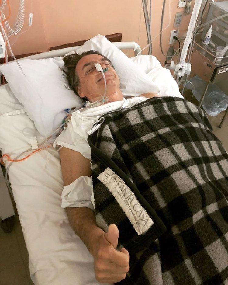 Jair Bolsonaro en el hospital (@FlavioBolsonaro)