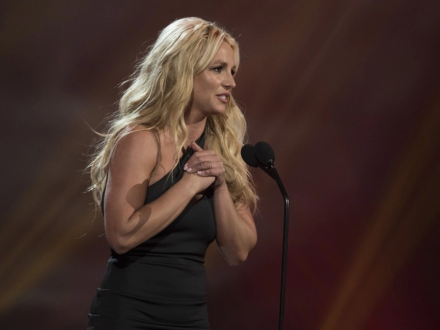 Britney Spears sorprende a sus fans con sexy bikini