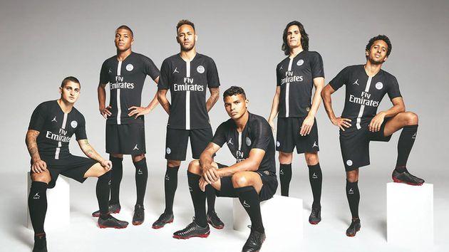 El jersey versión Air Jordan del PSG para la UEFA Champions League