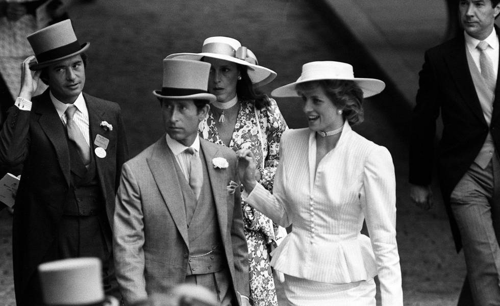 La princesa Diana, el príncipe Carlos, Oliver Hoare y su esposa Diane en Ascot en 1986.