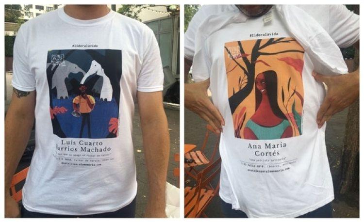 Camisetas con las postales impresas en la manifestación de Nueva York, el pasado 7 de agosto.