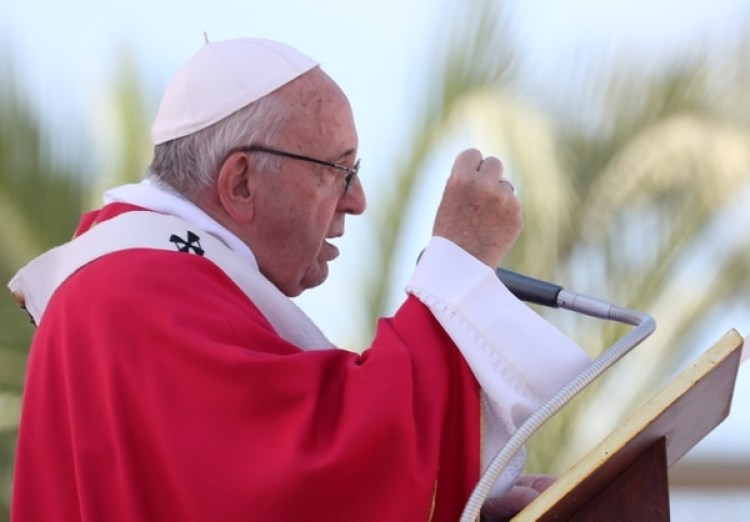 El papa Francisco durante la celebración de la misa enPalermo,Sicilia (REUTERS/Tony Gentile)