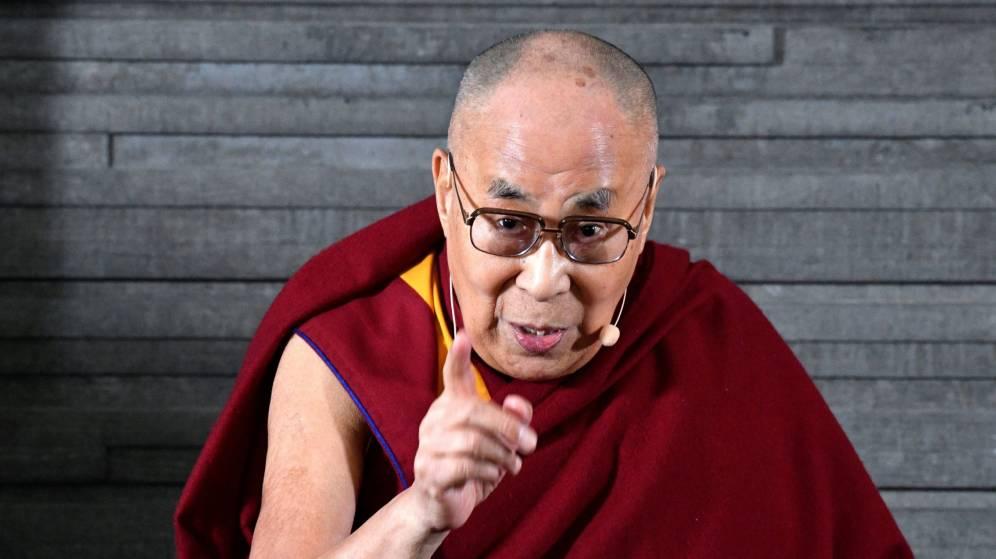 Foto: El líder espiritual tibetano, el Dalai Lama, ofrece una conferencia. (EFE)